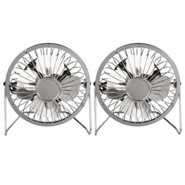 2x stuks kleine bureau ventilatoren zilver 15 cm met usb aansluiting