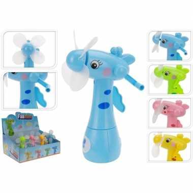 Roze waterspray ventilator giraffe 15 cm voor kinderen